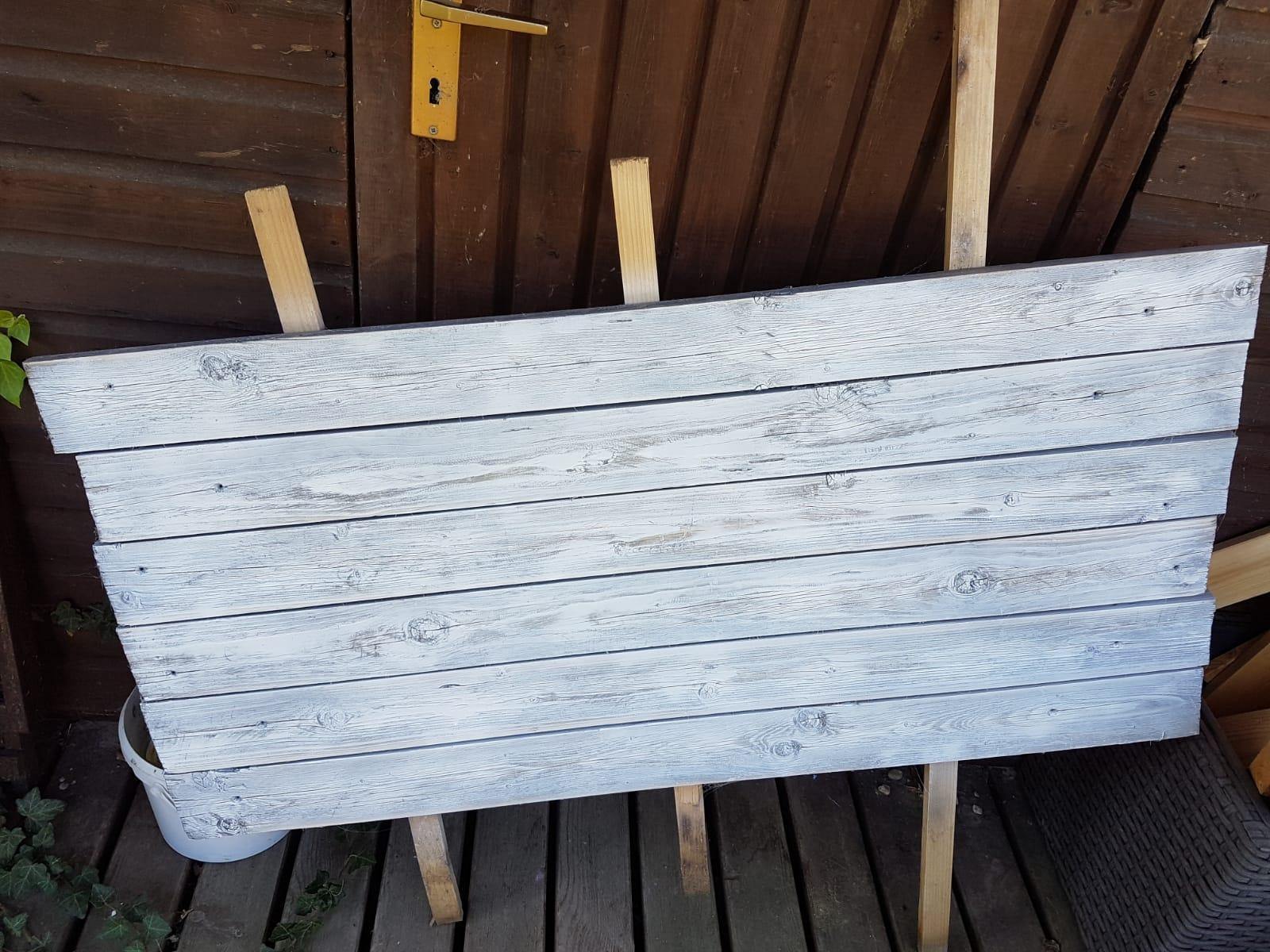 Ein Holzschild selber malen