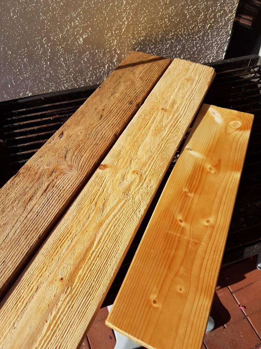 Holzbeize selber erstellen mit Hausmitteln. Ganz einfach Holz einen alten Look geben.