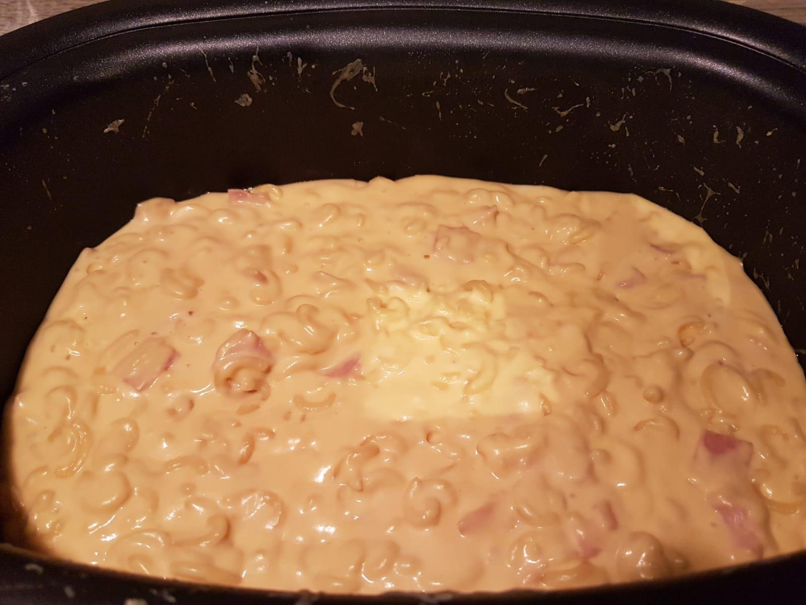 Mac and Cheese aus dem Slow Cooker. Total einfach zu kochen.