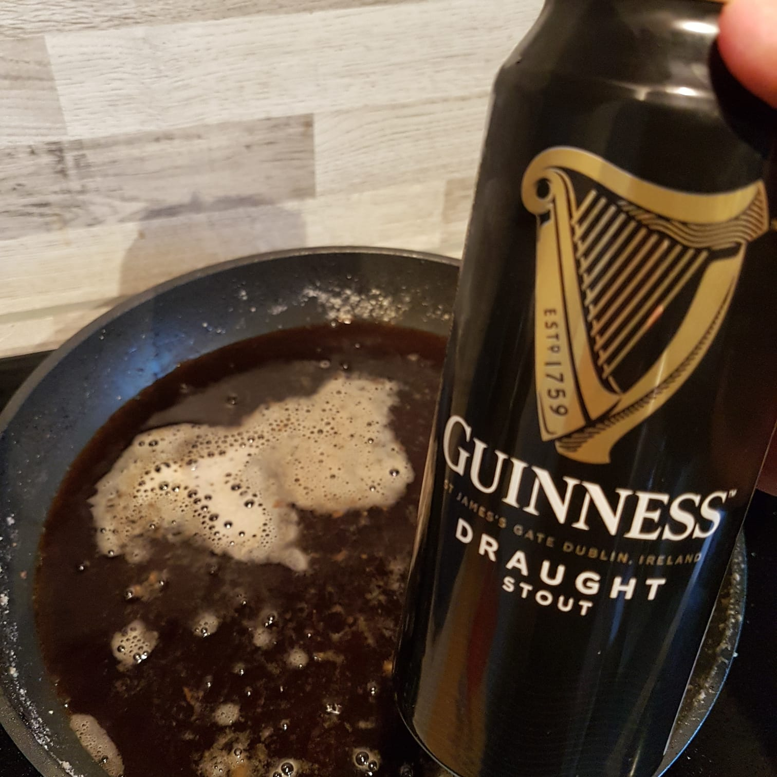 Guinness in die Pfanne