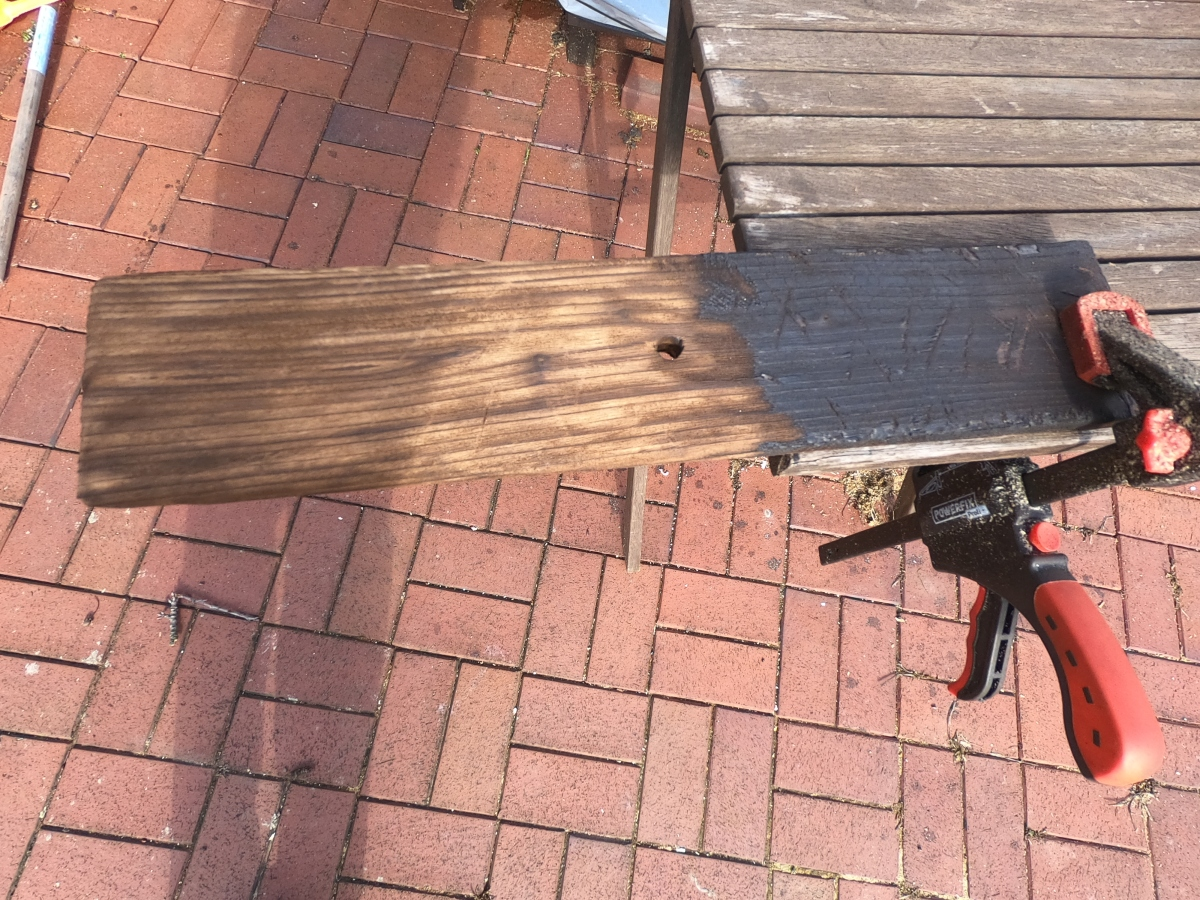 Holz auf alt trimmen – mit Feuer – so einfach gehtes